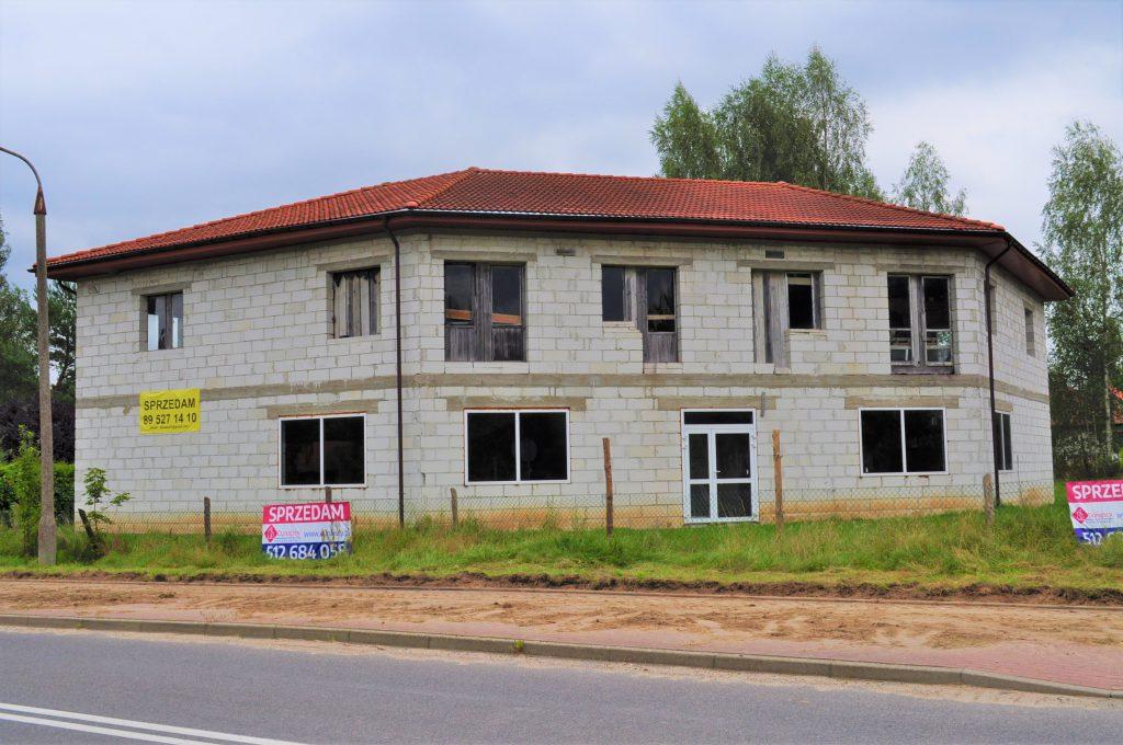 Centrum Różnowa, Dom z funkcją handlowo-usługową